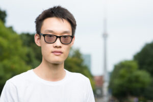 Andy Linzi Zhou